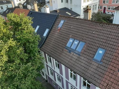 Hvem klarer å skifte 5 velux vinduer på EN dag??? SKYLIFT og Bergen tak og vedlikehold, selvfølgelig